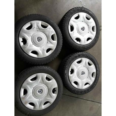 Kit cerchi in acciaio diam. 15' per Lancia Y e Fiat con pneumatici e copriruota