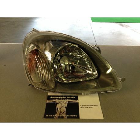 Fanale anteriore destro toyota yaris